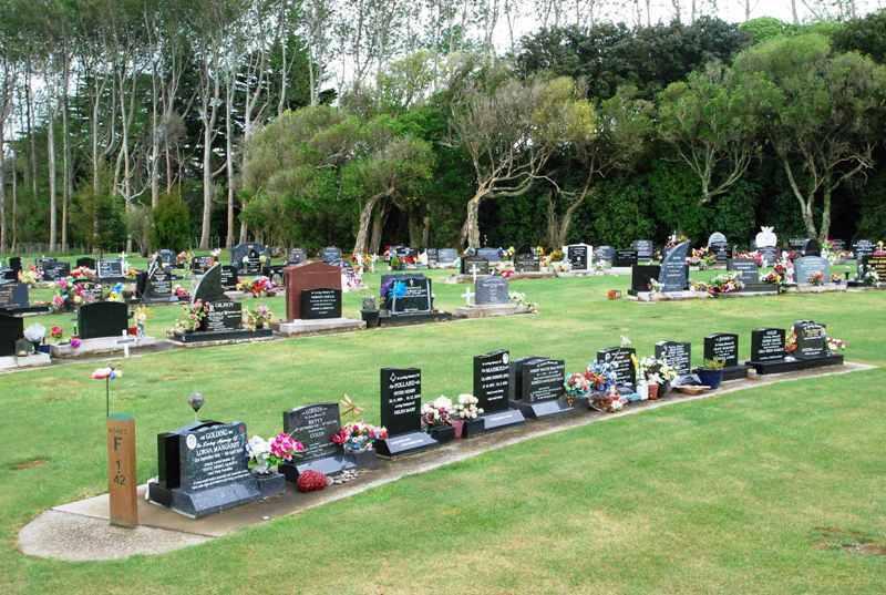 Avenue-Cemetery-Levin-10