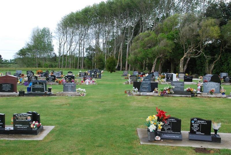 Avenue-Cemetery-Levin-11