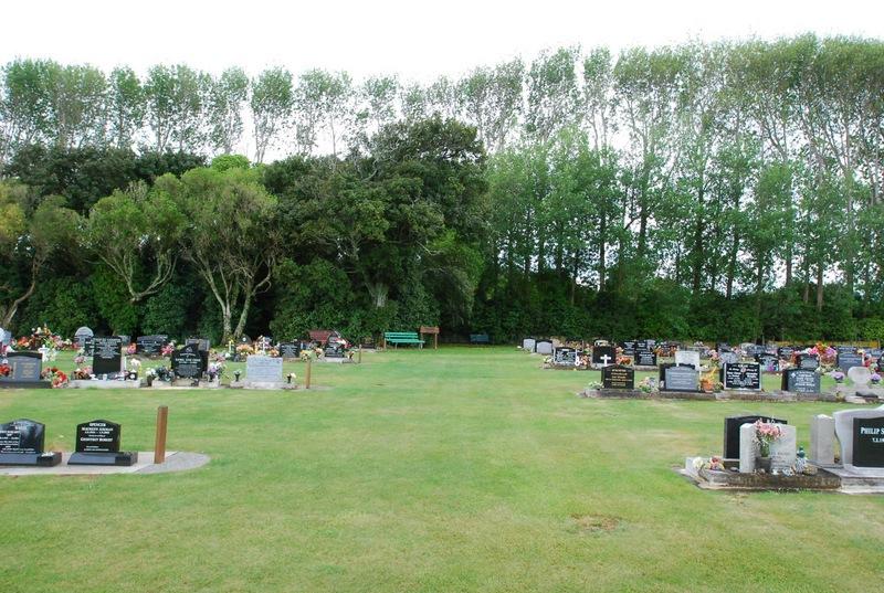 Avenue-Cemetery-Levin-12