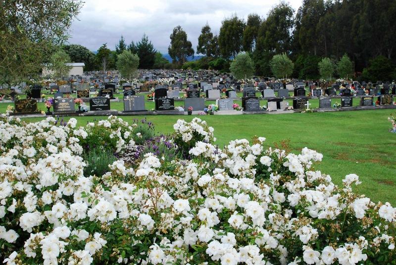 Avenue-Cemetery-Levin-13