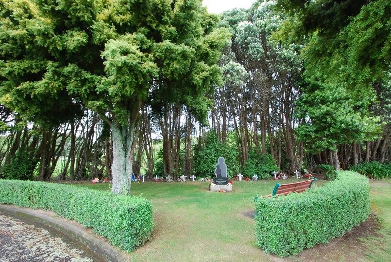 Avenue-Cemetery-Levin-2