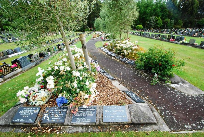 Avenue-Cemetery-Levin-3
