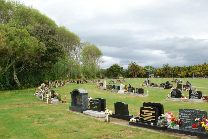 Avenue-Cemetery-Levin-8