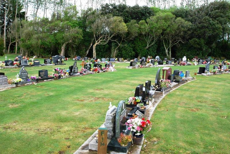 Avenue-Cemetery-Levin-9