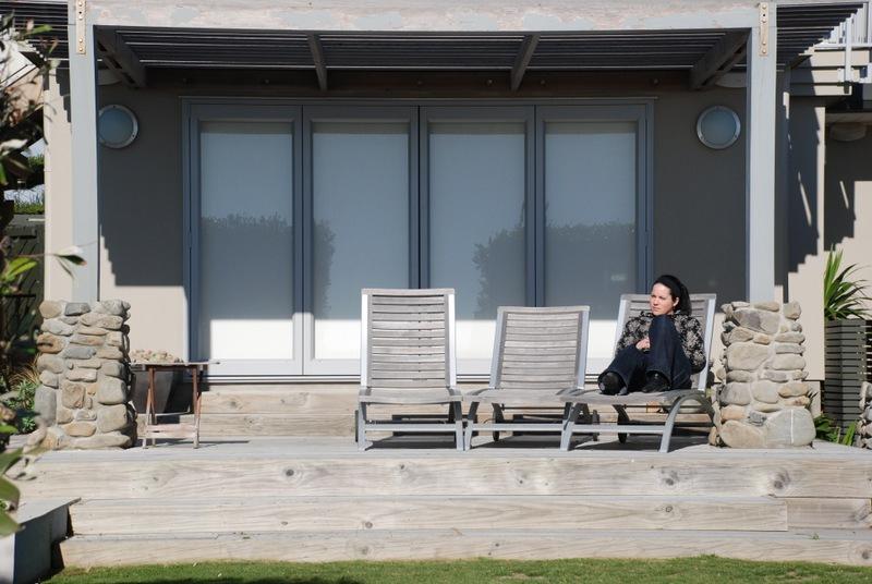 Contemporary-Beach-Living