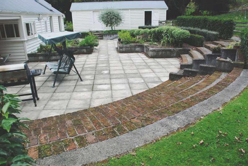 Farmhouse-backyard-8