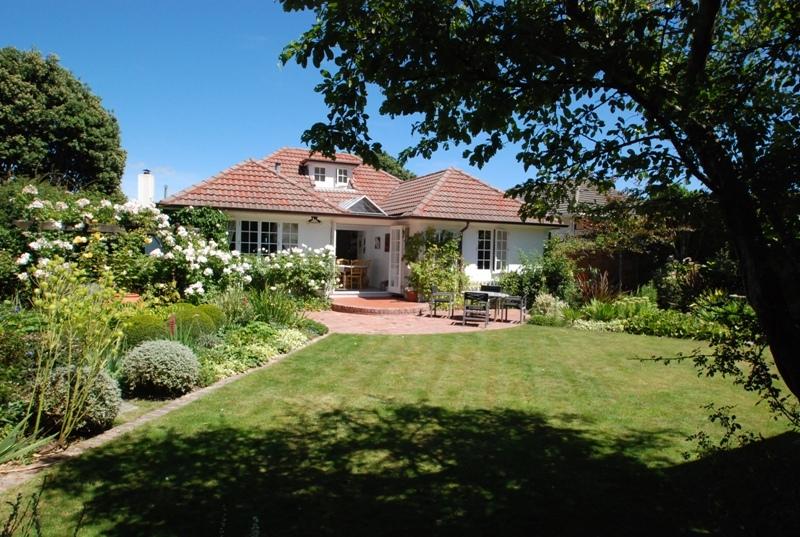 Historic-Cottage-Charm-12