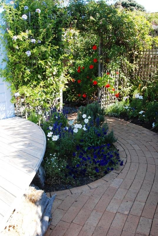 LennoxMarwick-Garden-034